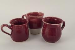 red mugs